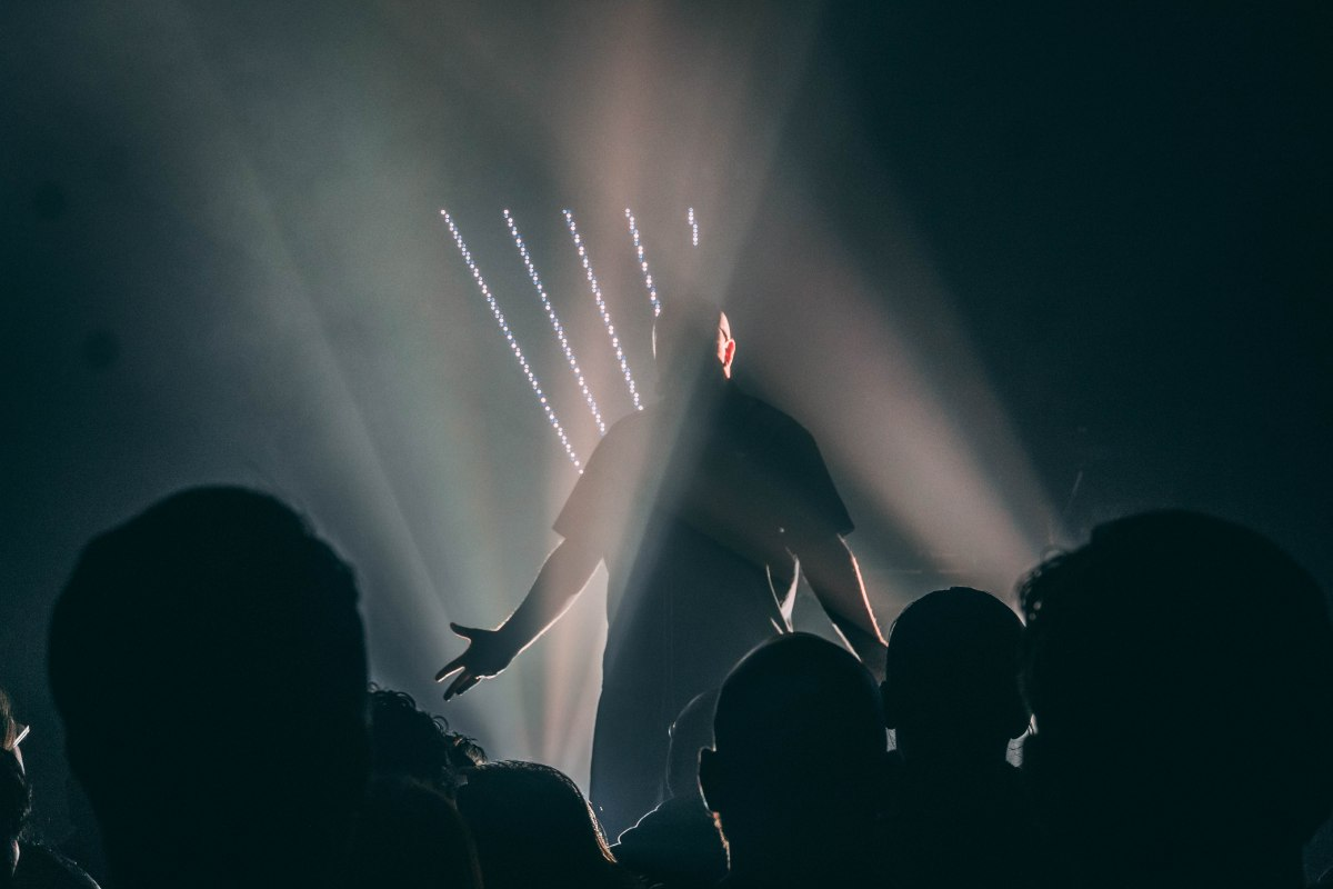 Examining NOIRE: An Excellent Conversation with Ronan Harris of VNV Nation