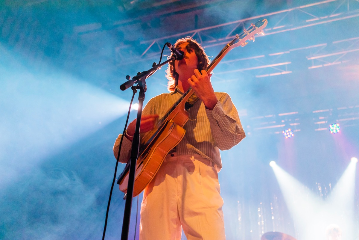 Parcels Deliver on a Massive Show at 170 Russell